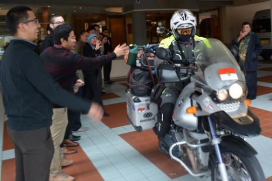 Jeffrey Polnaja, biker Indonesia singgah di Sydney