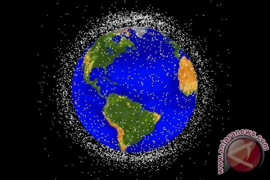 100.523.000 lebih sampah antariksa ancam satelit