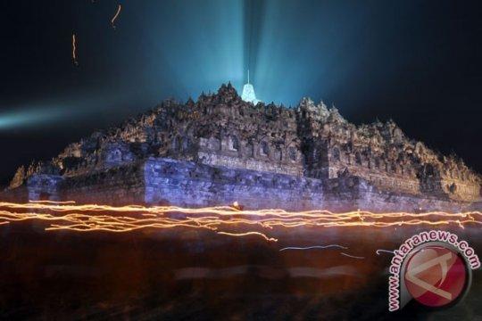Borobudur dalam goresan pelukis Indonesia-Tiongkok