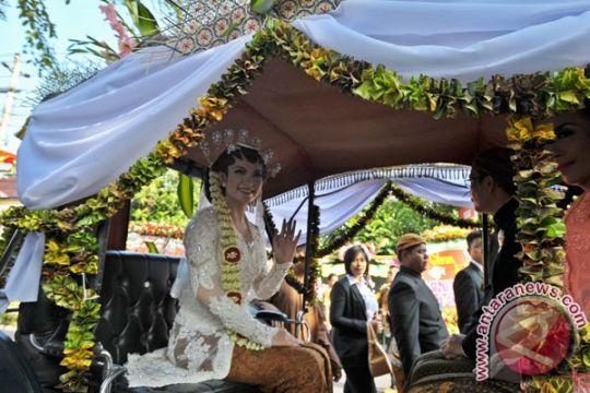 Aura dan Putri Istana antarkan Selvi menuju tempat pernikahan