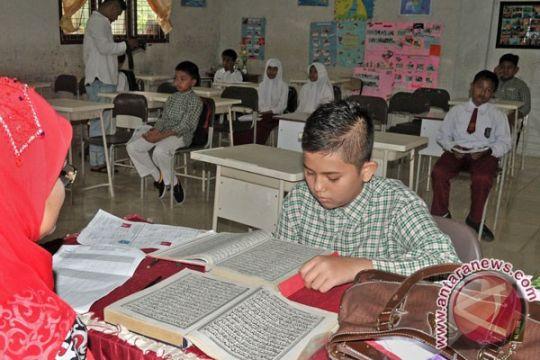 Calon kepala daerah Aceh diuji baca Al Quran