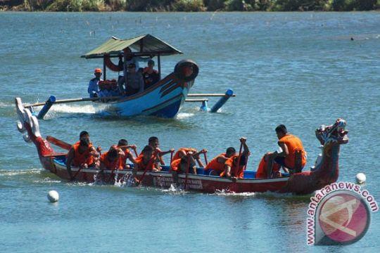 Festival Perahu Naga Parangtritis diikuti 20 tim