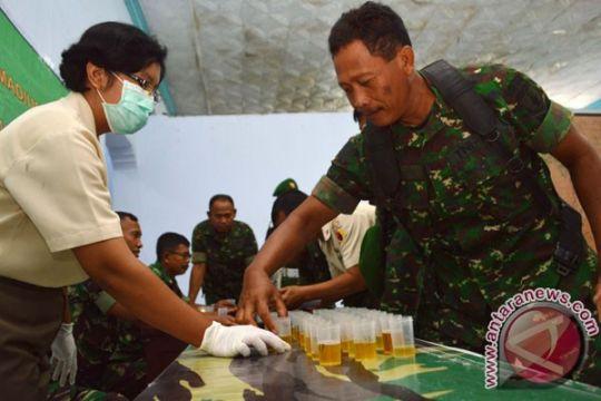 Anggota Denpom 24/4 Palembang perangi narkoba dengan tes urine