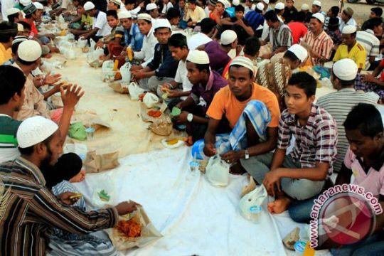 Sepuluh pengungsi Rohingya kabur saat salat taraweh