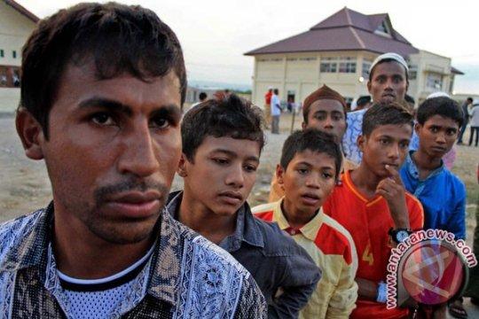 Ratusan pengungsi Timur Tengah demonstrasi di Kantor IOM