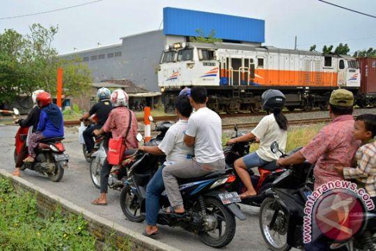 Sebanyak 292 perlintasan kereta Jakarta liar