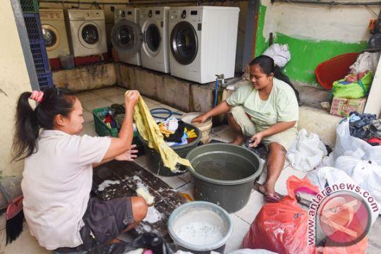 Mahasiswa Universitas Muhammadiyah Malang cipatakan mesin cuci tanpa listrik