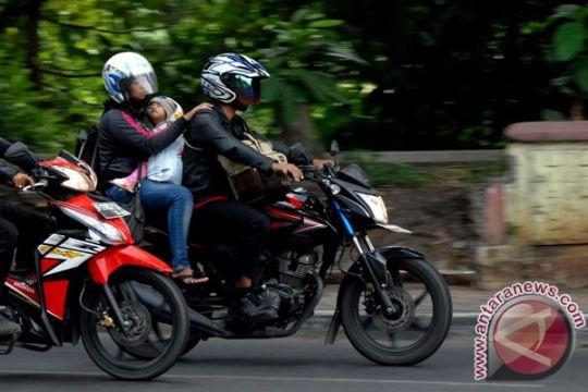 Polres Cirebon siapkan tiga bus bantuan untuk pemudik motor