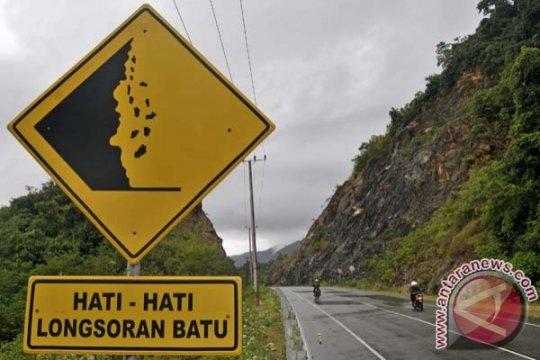 Polisi: jalur alternatif Garut-Tasikmalaya rawan longsor