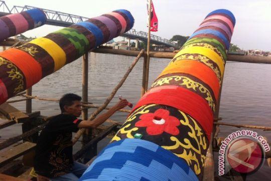 Warga Pangkalpinang masih gemar main meriam bambu