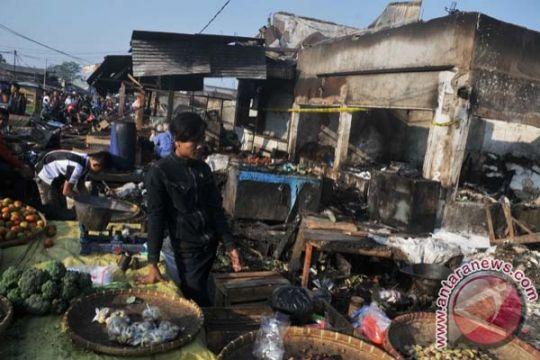 Pasar Gedebage Bandung terbakar, 150 kios hangus