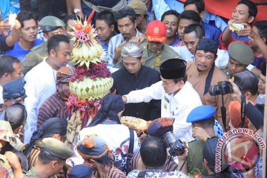 Perayaan Syawalan di Kabupaten Kudus diwarnai kirab seribu ketupat