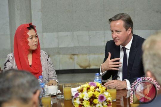 David Cameron bahas terorisme dengan pemuda Indonesia