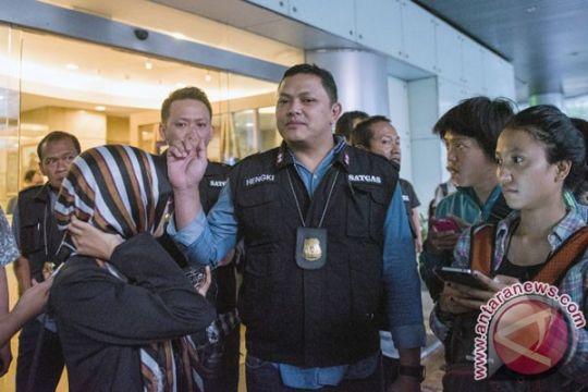 Polisi selidiki jaringan pemalsu batas kedaluarsa makanan