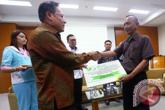 Supir angkot Bogor terima santunan BPJS Ketenagakerjaan