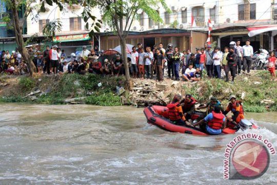 Tim gabungan cari bocah hilang di Kalimalang  Bekasi