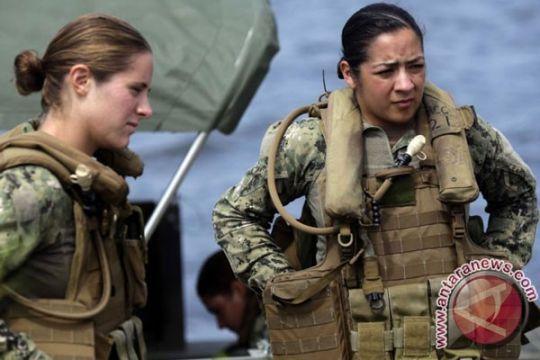 Dua perempuan jadi lulusan pertama pasukan elite Ranger