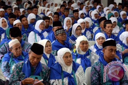 Sepuluh calon haji di Jember tertunda berangkat karena visa