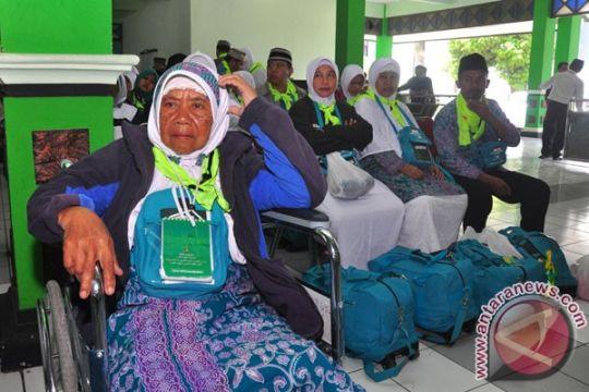 68 calon haji tertunda berangkat karena visa