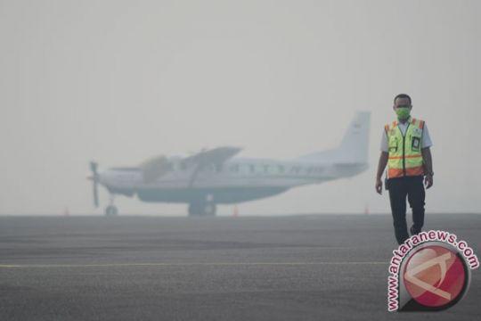 Bandara Sultan Thaha Jambi lumpuh akibat asap