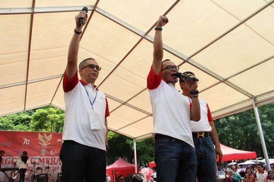 Menaker Hanif  Rayakan HUT RI Bersama Puluhan Ribu TKI Hong Kong