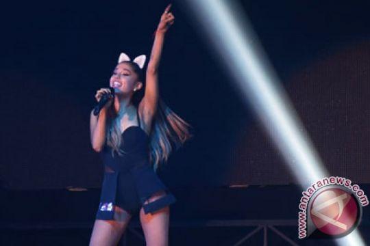 Ariana Grande menangi American Music, Green Day kritik Trump