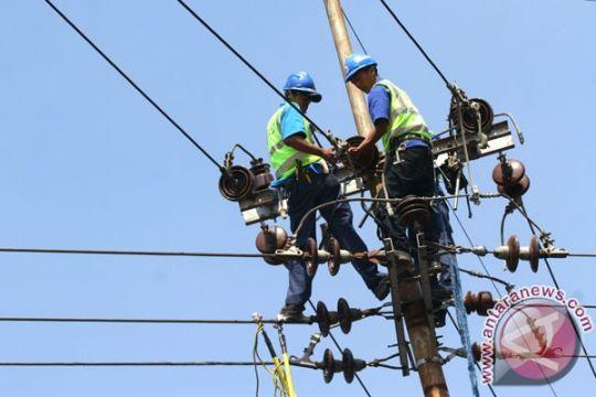 Pembangkit listrik Batam tersambar petir