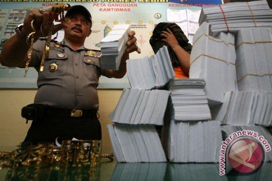 Polisi Pekanbaru bongkar praktik dukun pengganda uang