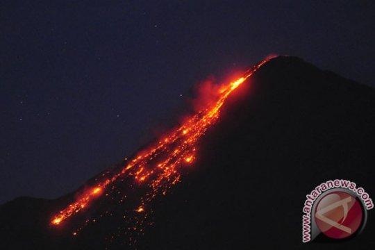 Jarak luncur guguran lava Karangetang sampai 2.000 meter