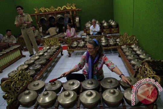 Madrasah Aliyah Negeri 2 Pekanbaru tuan rumah pertunjukan seni Indonesia-Australia
