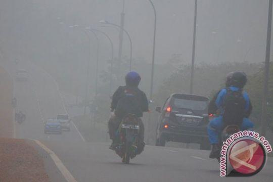 Tanggulangi asap, pemerintah jangan gengsi terima bantuan asing