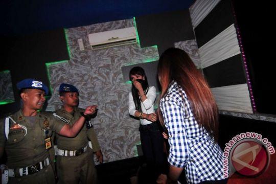 120 pengunjung tempat karaoke di Cilacap jalani tes urine