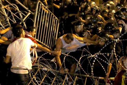 Warga Lebanon serukan pemberontakan setelah unjuk rasa guncang Beirut