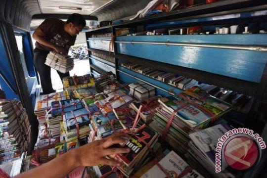 Bintara TNI AD fungsikan motor sebagai perpustakaan keliling