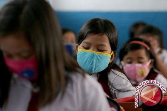 Dinkes Sumsel sudah bagikan 350.000 masker antisipasi ISPA