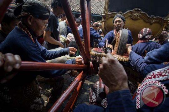 Jamasan pusaka Yogyakarta ingatkan pemimpin perhatikan rakyat