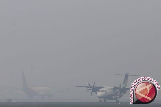 Jarak pandang 800 meter akibat asap, Bandara Pekanbaru belum terganggu