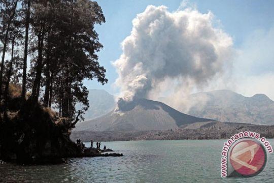 Abu vulkanik Gunung Baru Jari sudah masuk Mataram