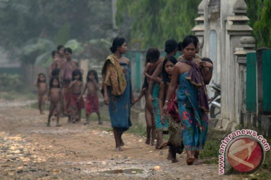 Suku Anak Dalam serahkan 14 pucuk senjata api