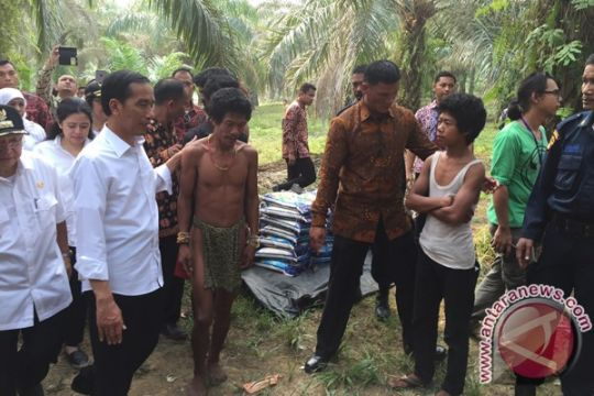 Pria Bandung temukan formula belajar untuk Suku Anak Dalam