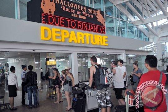 Operator perpanjang penutupan Bandara Ngurah Rai