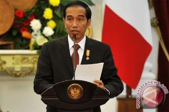 Presiden Jokowi lantik 10 dubes, termasuk Rizal Sukma