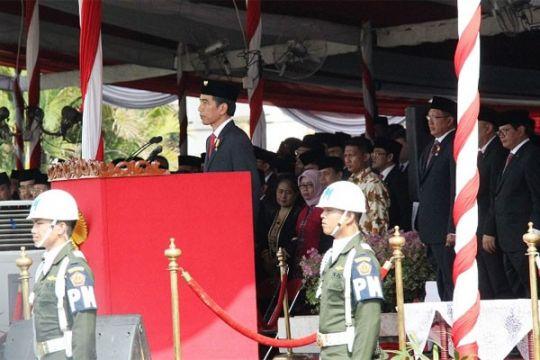 Ribuan warga Surabaya ikuti rekonstruksi perobekan bendera