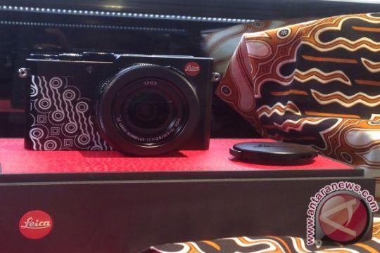 Leica hadirkan koleksi eksklusif kamera batik parang