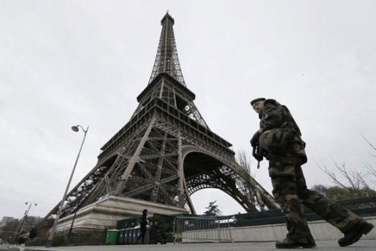 Tujuh orang diserahkan dalam penyidikan kasus pembunuhan guru Prancis