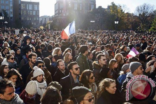 TEROR PARIS - Dude Harlino prihatin masyarakat sipil jadi korban serangan Paris