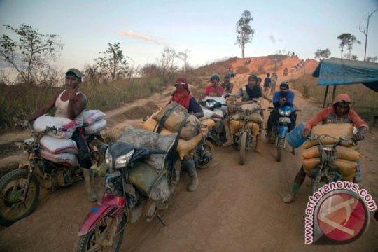 Presiden diminta hentikan tambang emas ilegal di Gunung Botak