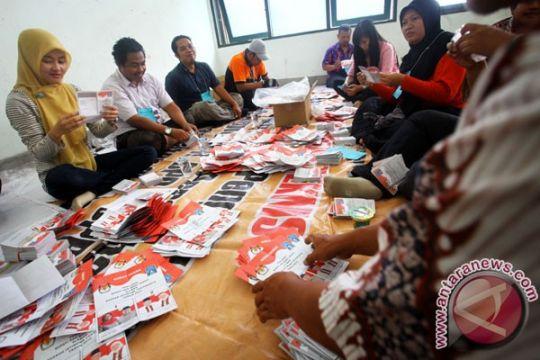 Ribuan surat surat Pilkada Karawang rusak