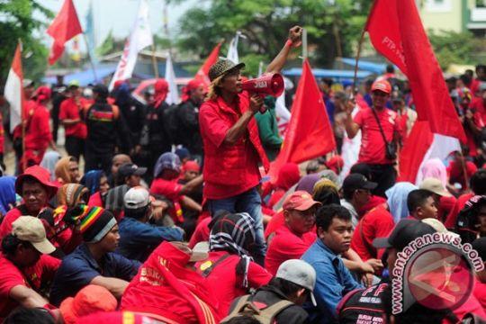 Unjuk rasa di Kawasan Industri Pulogadung aman