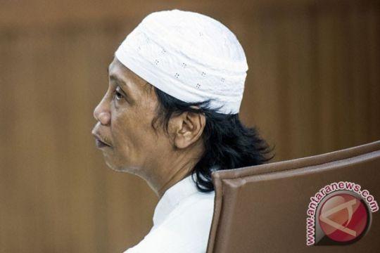 Mandra dituntut 1,5 tahun penjara